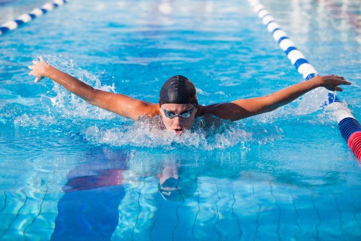 4 Alasan Mengapa Kamu Harus Mulai Olahraga Renang