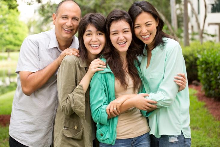 4 Cara Unik Memberikan Kejutan pada Orang Tua. Mau Coba?