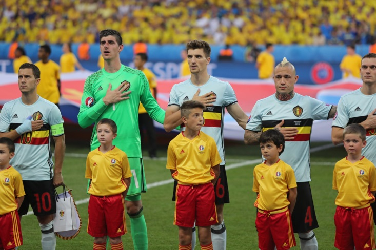 4 Pemain Piala Dunia ini Punya Tinggi Badan yang Bikin Melongo