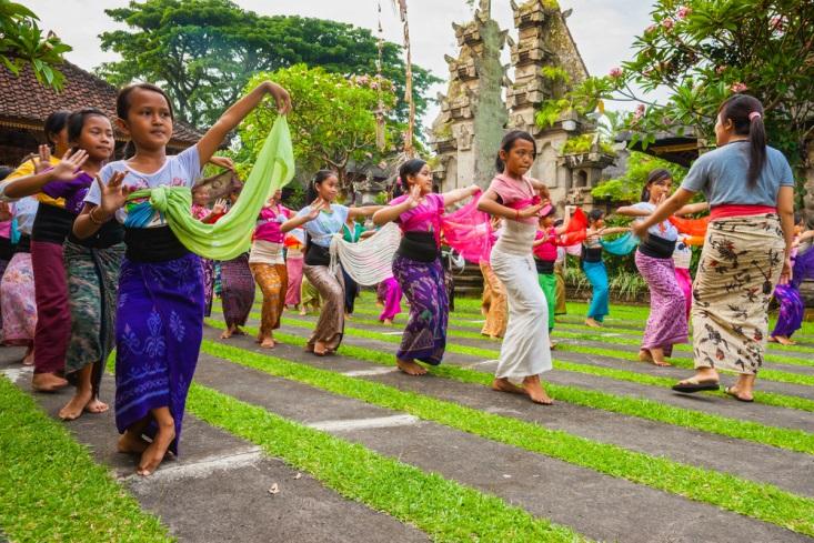Mudahnya Lestarikan Budaya Indonesia Dengan 3 Cara Ini