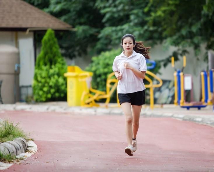 Mumpung Masih Muda, Yuk Aplikasikan Pola Hidup Sehat dengan Kebiasaan Ini!